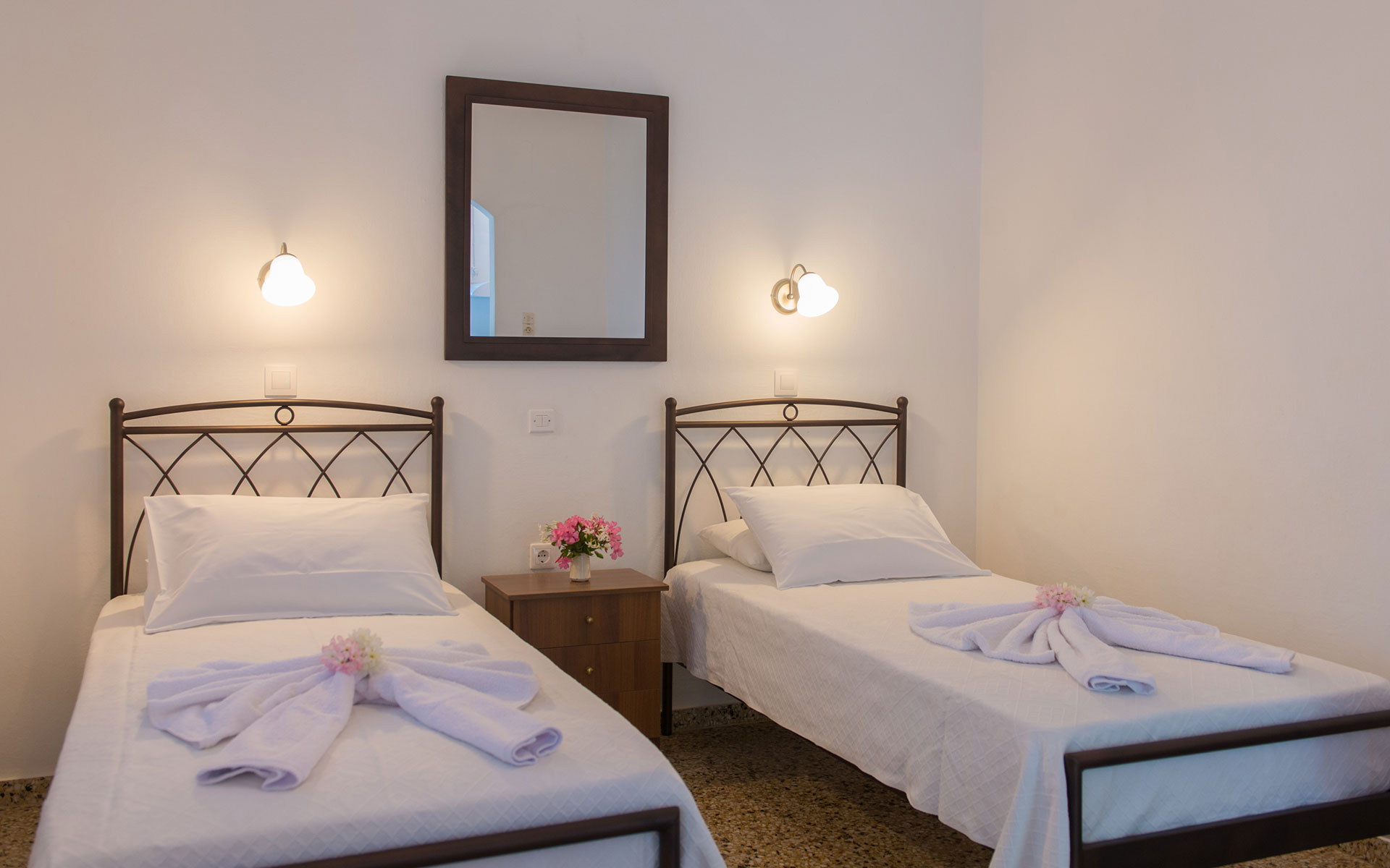Double room in Roubina accommodation in Sifnos